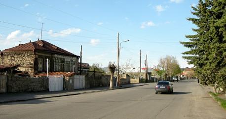 driving car in armenia