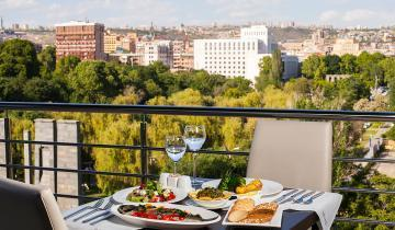 dinner for two in Yerevan - car rental